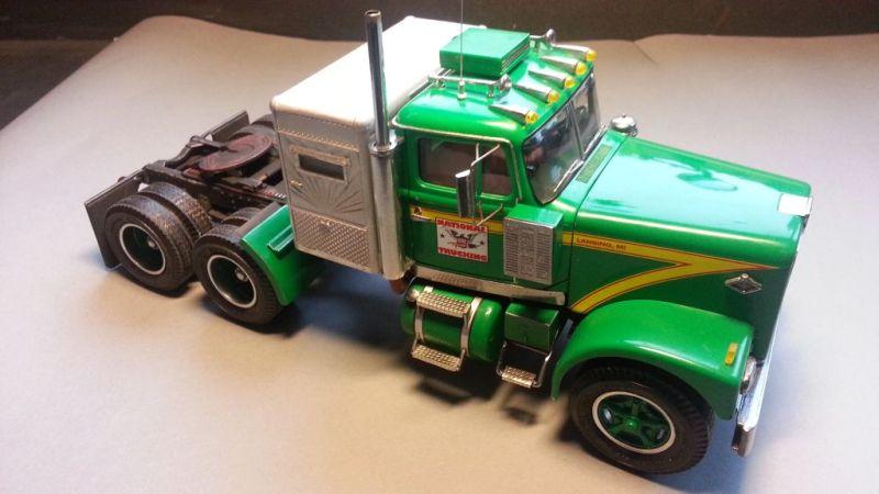 Diamond Reo 1:25 AMT - US-Trucks - Das Wettringer Modellbauforum
