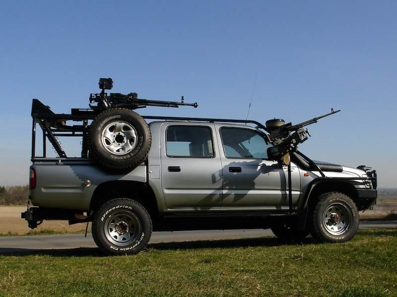 Fertig: Caddilac Escalade EXT - Special Forces Umbau - Bauberichte ...